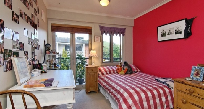 Large Terraced House within Walking Distance of Grammar