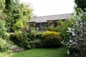 Fantastic Renovation Opportunity .... 1072m² of Land and 258m² of 1970's home