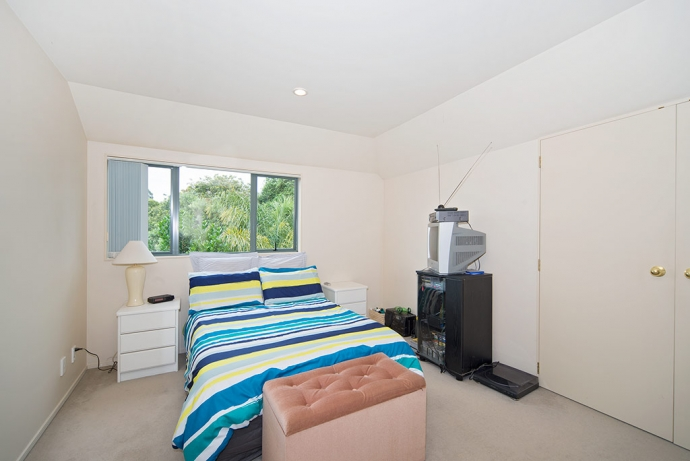 Remuera Real Estate Register Sunny And Private Indoor