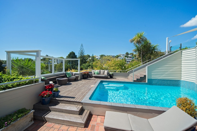 Superb Character, Sun & Views - Remuera at its Best