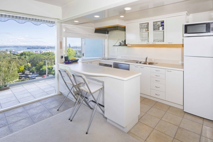 Remuera real estate register parnell 39 s best bedroom view for Storage parnell